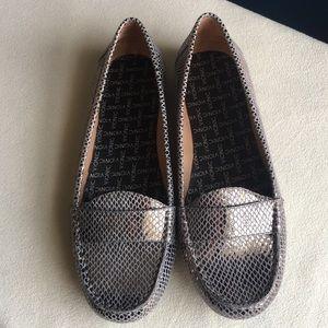 Like new Vionic silvery metallic loafers size 9
